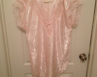 Vintage Shirley of Hollywood nightgown
