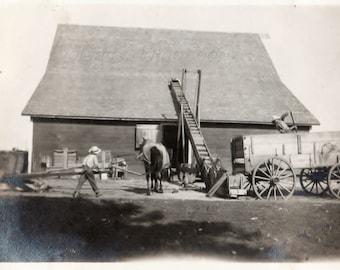 Vintage Snapshot Photo ~The family farm ~ Americana