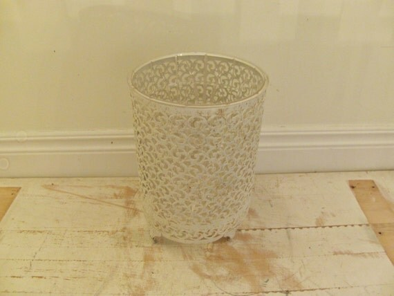 Vintage Metal Waste Basket Shabby Chic By Smithandvinevintage
