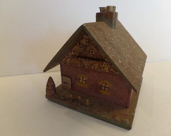 Vintage Primitive Folk House Bank