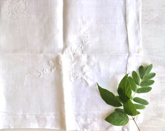 Vintage Dainty White Linen Tea or Parlor Table Cloth