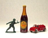 Vtg Guinness Extra Stout Miniature Mini Beer Glass Bottle St James Gate Dublin, Just three and a half inches tall!