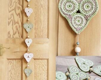 Crochet heart bunting. Vertical heart garland - home / party decor. Wedding, bedroom, nursery decoration. 'Amelie'
