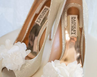 Flower Shoe Clips, Bridal Shoe Clips, Wedding Shoe Clips, Wedding Shoes, Bridal Shoes, White Shoe Clips, Off White Shoe Clips