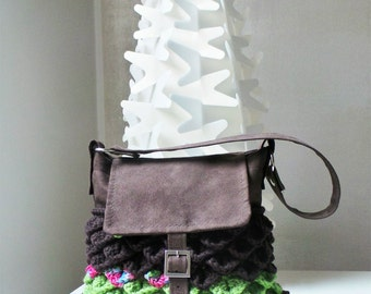 Crochet bag MORBIDE SCAGLIE, medium size, brown and light green