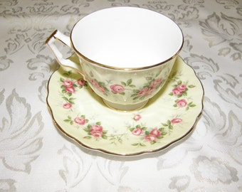 Aynsley China of England soft yellow with Pink Roses Tea Cup and Saucer