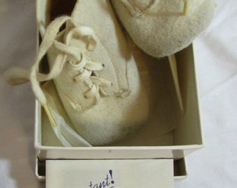 Vintage Wool Felt Baby Shoes, White, 1940's