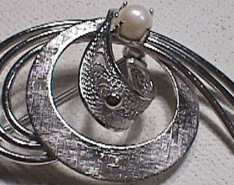 Textured Sterling Silver Pin Brooch Broach jewelry - dainty and delicate