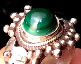 Size 4 Sterling Silver Ring. Green Malachite Sunburst. free US ship 28.00