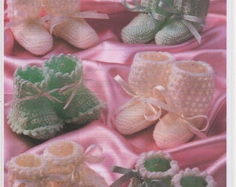 Baby Knitted Booties, Baby Crochet Booties, Crochet Bootys, Crochet Bootees, Knitted Bootees, Baby Knitting Pattern, Baby Booties