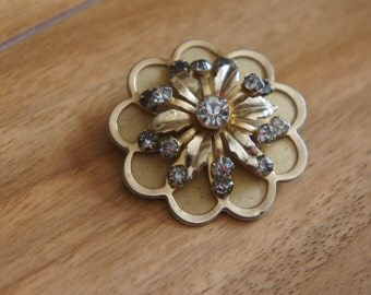 Vintage  Jewelry Brooch Pin CZ Aurora Borealis Sparkly  Stones 1960s Flower Leaf Gold Filled  W-128