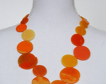 Resin choker of flashing orange elements, vintage-look