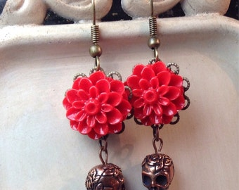 Dia de los Muertos, Red floral dangle earring set on Brass with smallcopper sugar skull