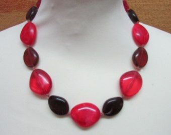 1980s assorted reds large bead necklace