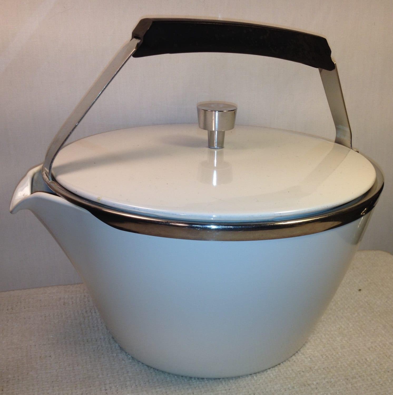 Vintage Corning Ware 29