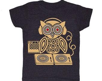 KIDS Headphones Owl - Tshirt Awesome Music Turntable Bird Nature Rock HipHop Cool Retro T-shirt Boy Girl Toddler Youth Children DJ Tee Shirt