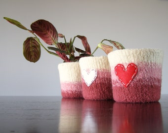 felted wool planter with waterproof lining  - spring inspired ombre pattern - off white to pale pink to salmon pink - gifts for mom, friends