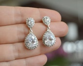 Tear drop Earrings, Wedding Jewelry, Bridal Earrings, Bridesmaid Earrings, Dangle Earrings, Swarovski Crystal earrings, Crystal drop
