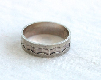 Chevron Ring Band Size 6.25 Sterling Silver Vintage Mexican Jewelry