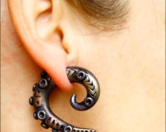 Steampunk octopus earrings, Fake gauge earrings, gothic earrings, ear plug earring, tentacle earrings, brown gauge, fake ear plug