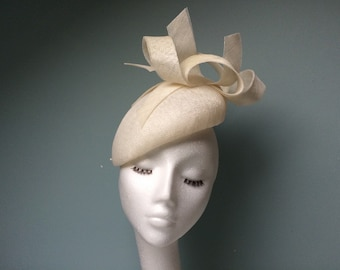 Ivory Fascinator Beret Hatinator with Feather Arrow