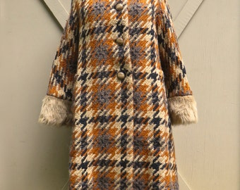 50s/60s vintage Lilli Ann Plaid Woven Wool Swing Coat with Faux Fur Trim