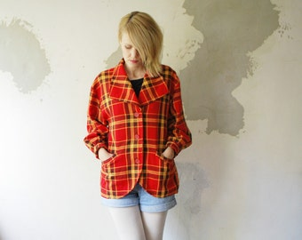 SALE...70s red plaid jacket. wool jacket. oversized jacket. cropped coat - small