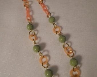 LUCITE NECKLACE / Frosted Orange / Green / Hoop / Modernist / Retro / Hipster / Disco / Art Moderne / Chic / Chunky / OOAK / Mod / Accessory