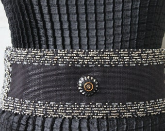 """Belt wide """"Hermine"""" black shiny fabric.Creating hand made and unique.Beaded belt.Its elastic waist makes it adjustable."""