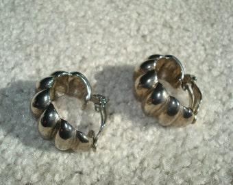 Vintage Clip On Earrings Vintage