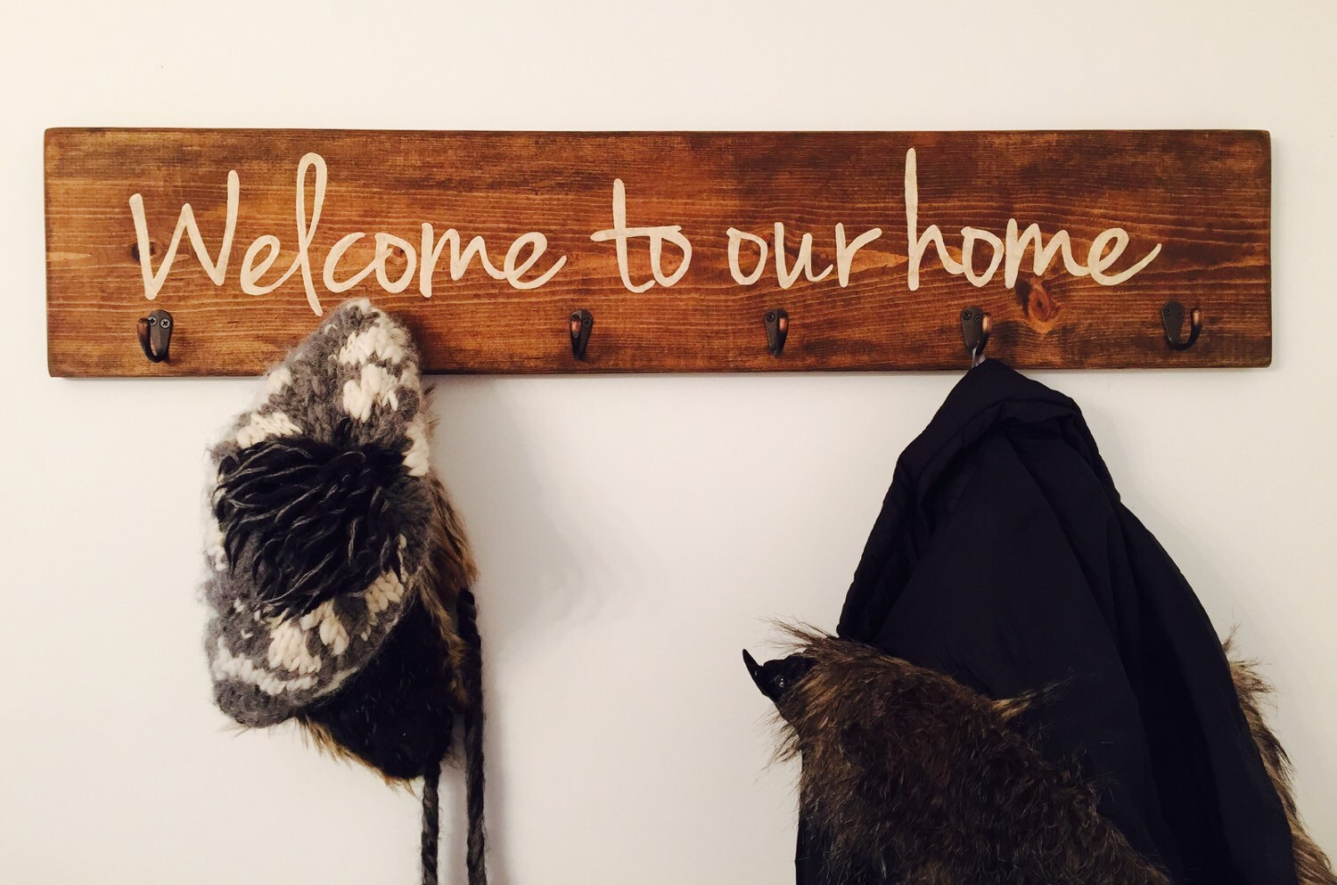 welcome to our home coat rack rustic wood entryway storage, Wohnzimmer dekoo