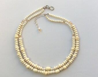 Creamy Bijou necklace
