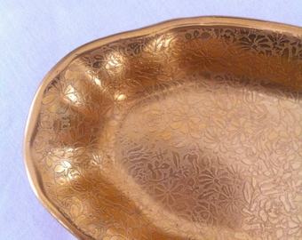 Very Pretty Oval Gold Dish in the Rose/Daisy Pattern
