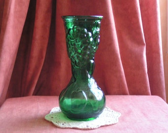 Pretty green autumn vase