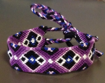 Friendship Bracelet: Purple Diamonds