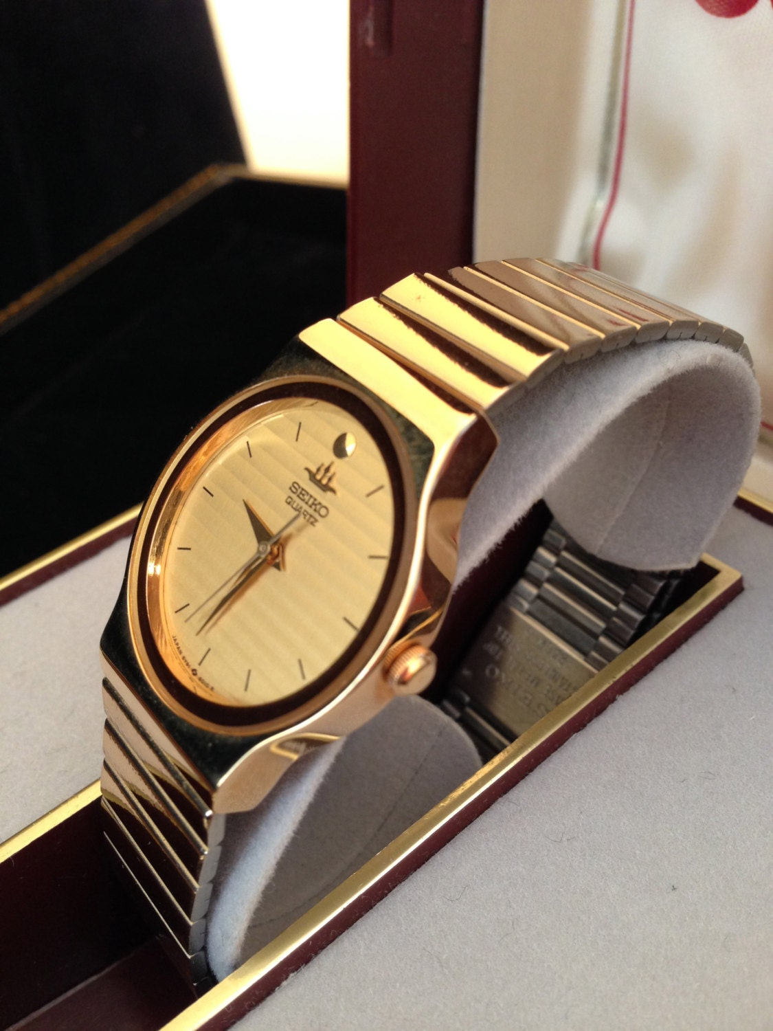 1980s Mens Seiko Quartz Gold Tone Watch Never Worn