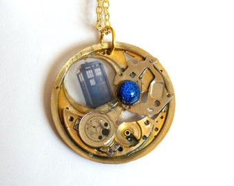 "Doctor Who Necklace ""Blue Portal"""