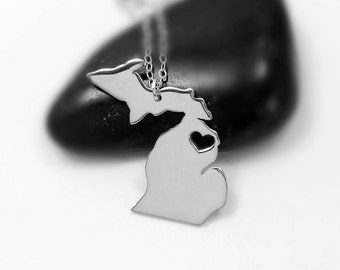 Silver Michigan Shaped Necklace,MI State Charm Necklace ,Michigan State Shaped Pendant,Michigan State Necklace With A Heart