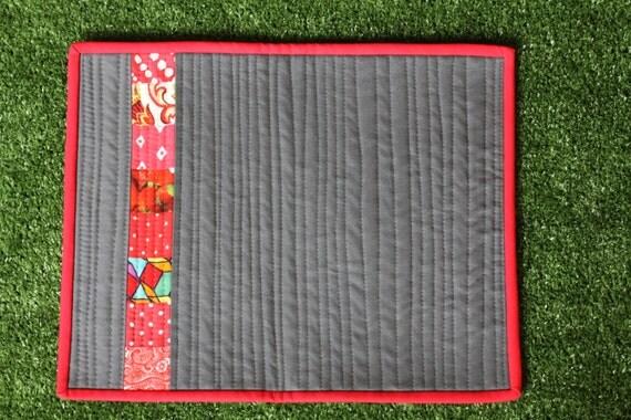 Articles similaires tissu matelass moderne set de table for Set de table en tissus