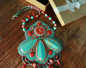 A necklace Turquoise and coral