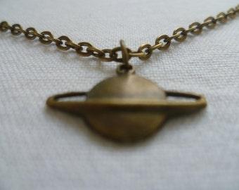 Planet necklace,saturn necklace,planet pendant,gift,saturn pendant,bronze necklace,space,solar,planet jewelry,simple jewelry,bronze saturn