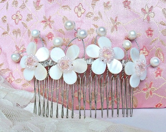 Blossoms hair comb