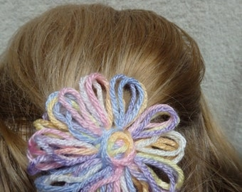 Shades of Pastel Pink and Lavender Yarn Daisy Hair Barrette or Pinback