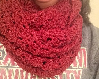 Crochet cluster infinity scarf, crochet cowl, crochet circle scarf, maroon scarf, texas A&M scarf