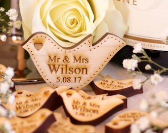 Personalised Wooden Maple Mr & Mrs Love Heart Doves Wedding Table Decoration Favour