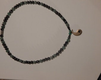 Magnetic necklacei