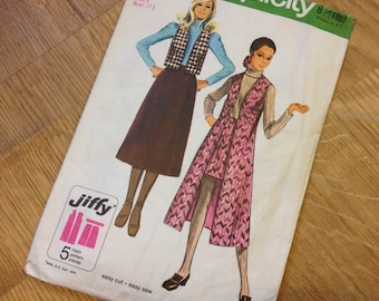 1970s Simplicity Vintage Skirt and Vest Pattern