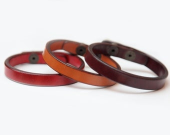 Bracelet of a quality double-layered leather