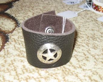Black  Leather Star Cuff