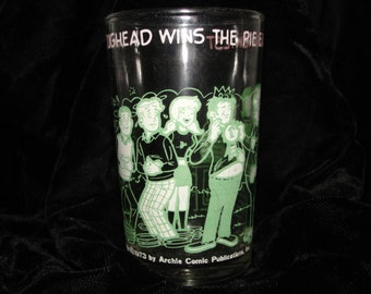 Vintage 1973 Archie Comics Jughead wins the pie eating contest glass, archie, jughead, betty.